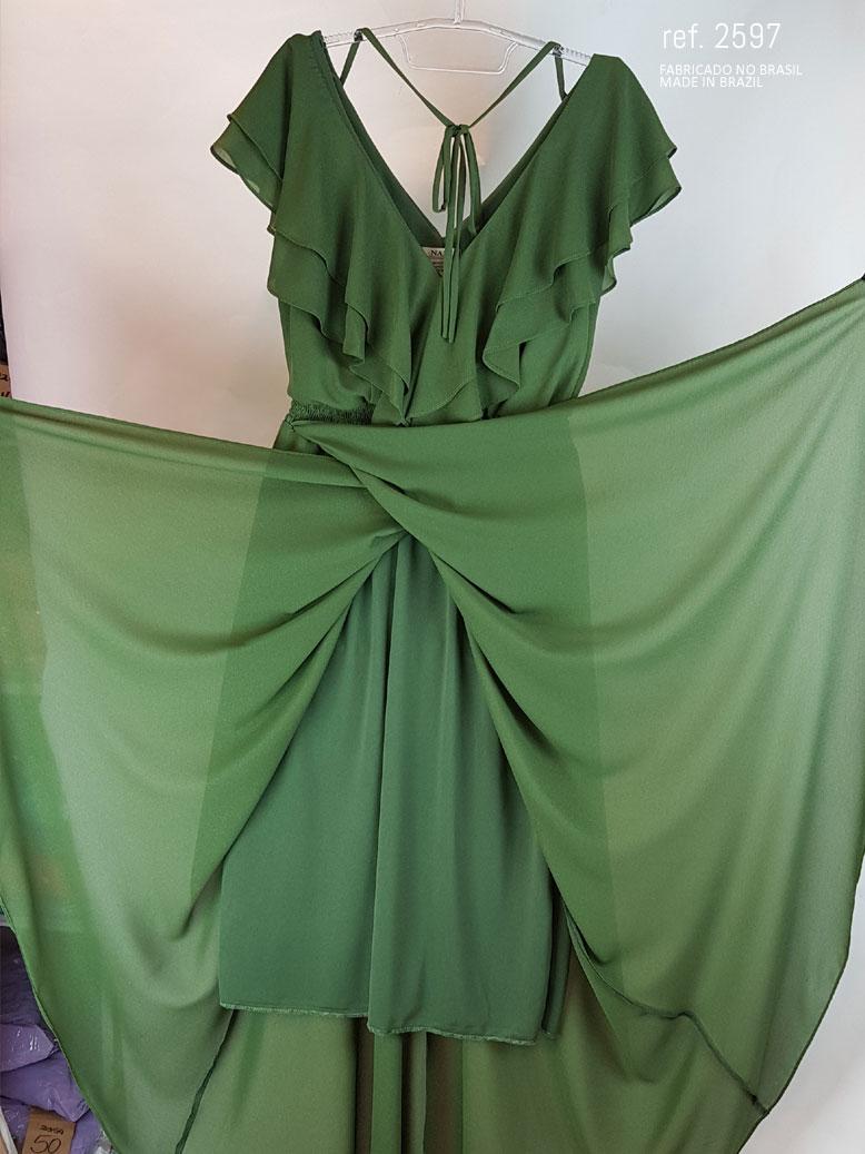 vestido com babado verde