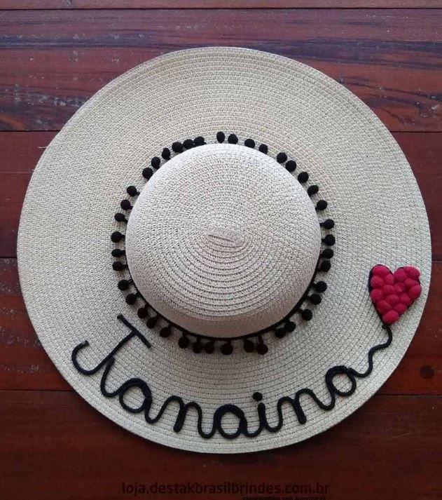 Chapéu Personalizado com o Nome + Coração Vermelho Ponta