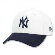 Boné New Era 9FORTY Yankees Core Class Off White