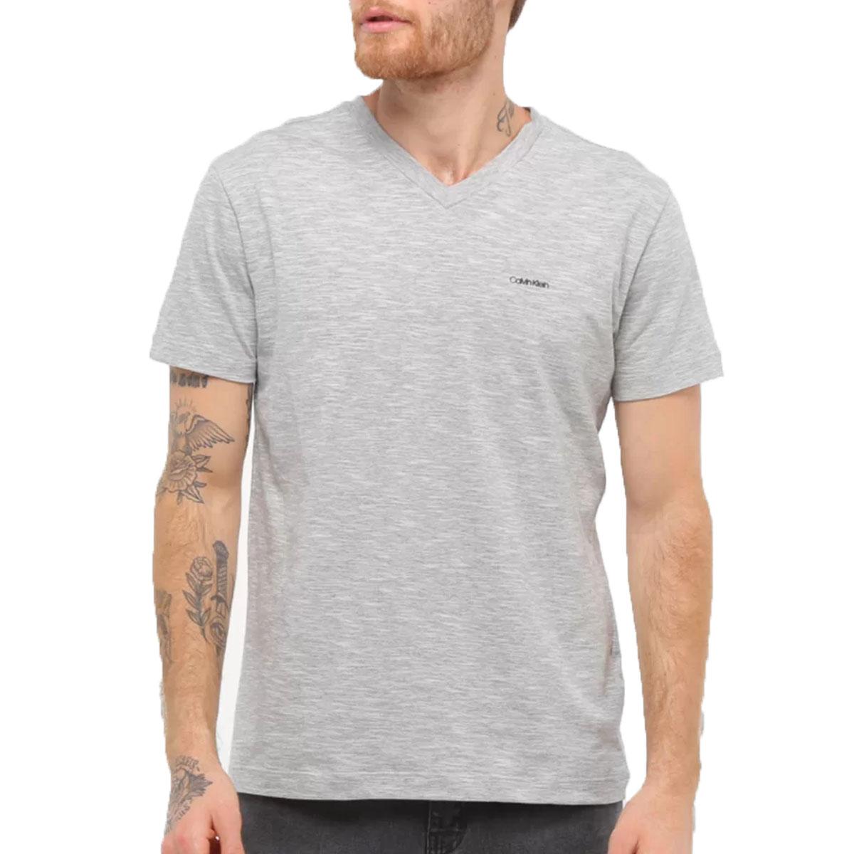 Camiseta Calvin Klein Slim Flame Gola V Cinza Mescla