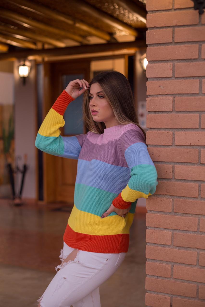 Blusa de Tricô Colorida com Listras