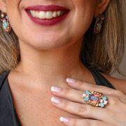 Conjunto anel e par de brincos com pedras azul e violeta