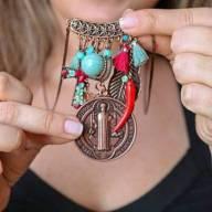 Colar longo medalha São Bento com pingente vermelho e turquesa