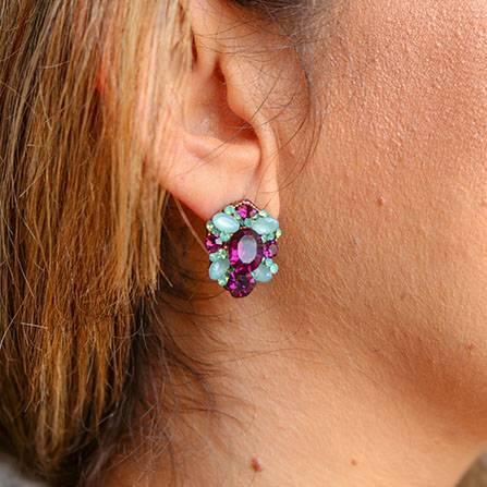 Gargantilha choker, Brinco oval, Colar médio com pedras azul e violeta