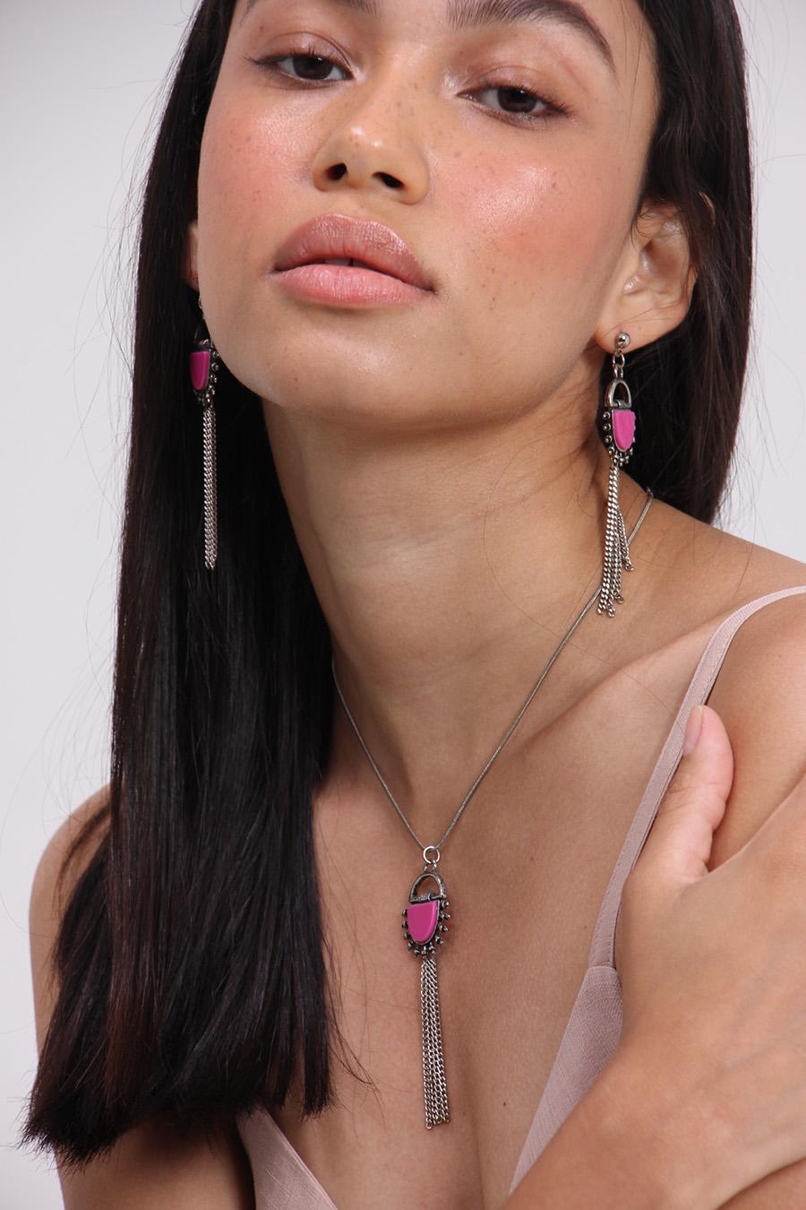Colar pedra pink