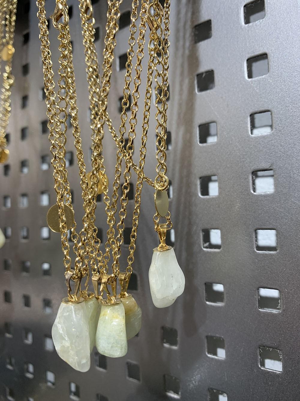 Colar pedra quartzo