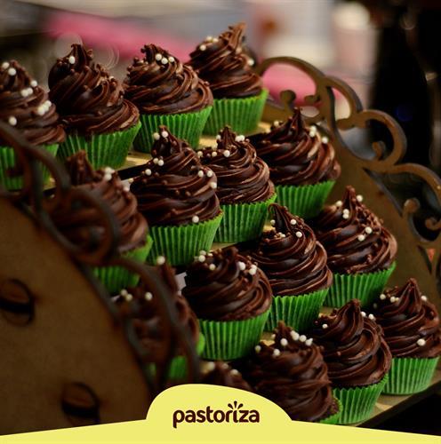 Recheio e Cobertura Sabor Chocolate 2,01 kg<br> - Caixa com 6 potes - 12,06 kg