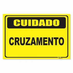 Placa de Sinalização Cuidado Cruzamento