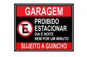 Placa PVC Garagem Proibido Estacionar Dia e Noite Preta