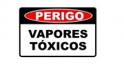 Placa PVC Perigo Vapores Tóxicos 23x18cm Segurança