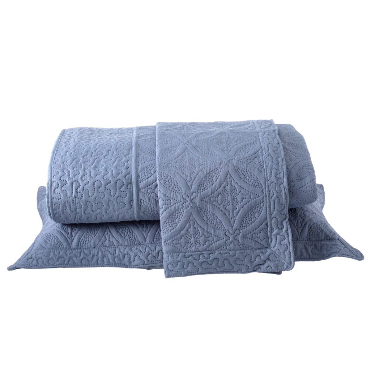 Kit: 1 Colcha Cobre-leito Provence Casal de Microfibra Ultrasonic + 2 Porta-travesseiros AZULE