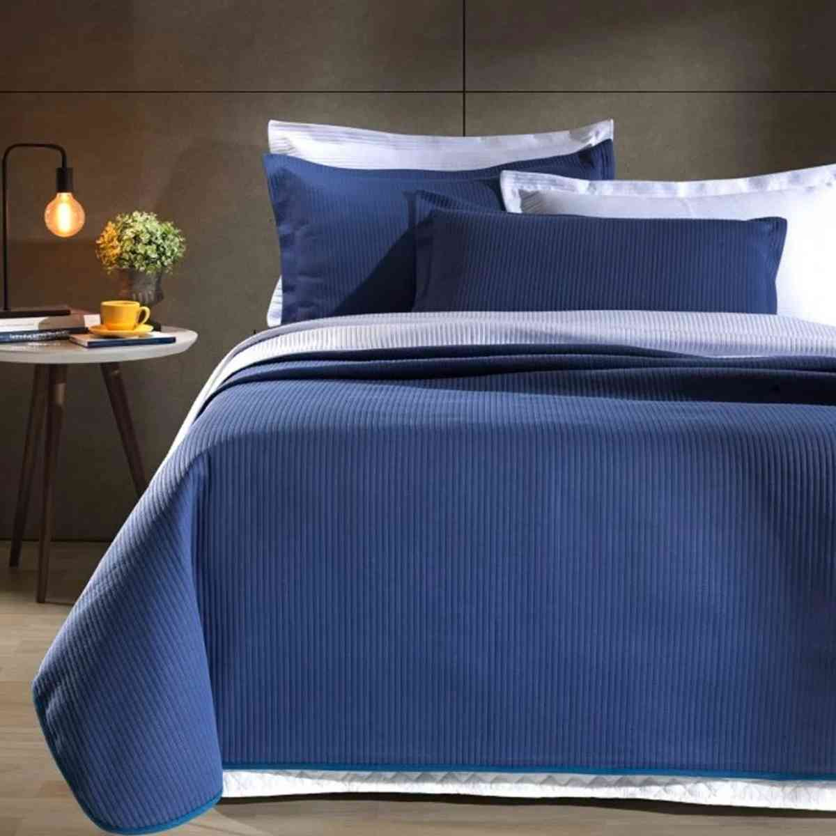 Kit: Cobre leito Colcha Queen Neomalha Ultra Soft Matelassê + 2 Porta Travesseiros Azul