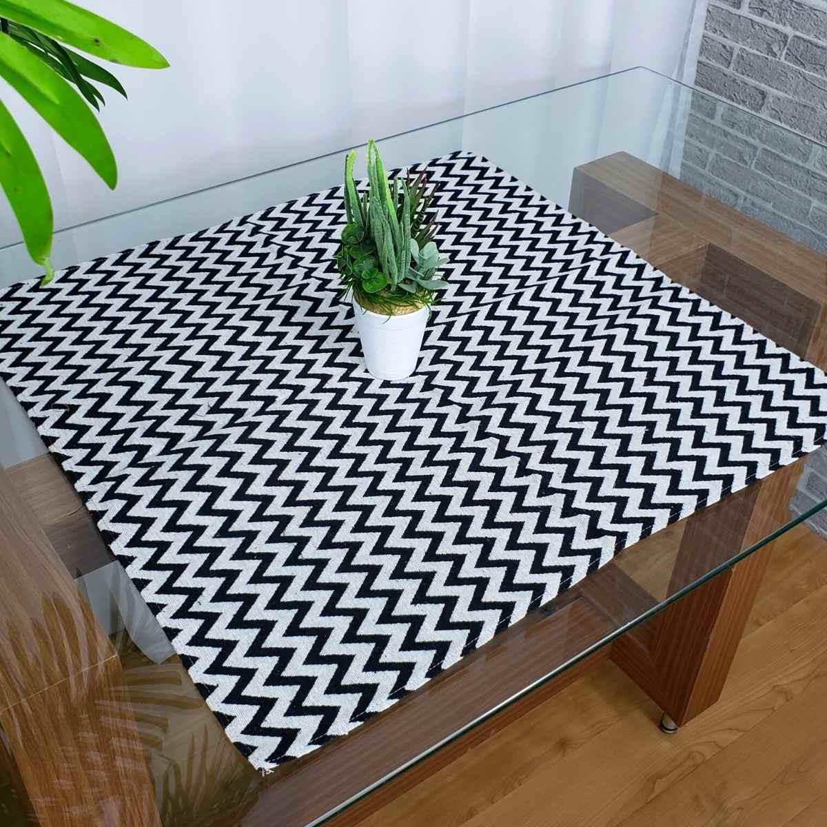 Toalha de mesa 70x70 DES 147