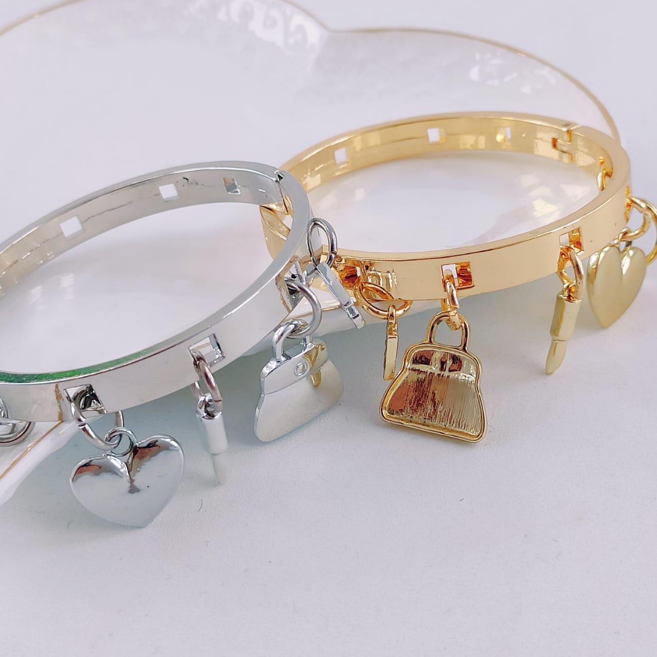 Bracelete com Pingentes