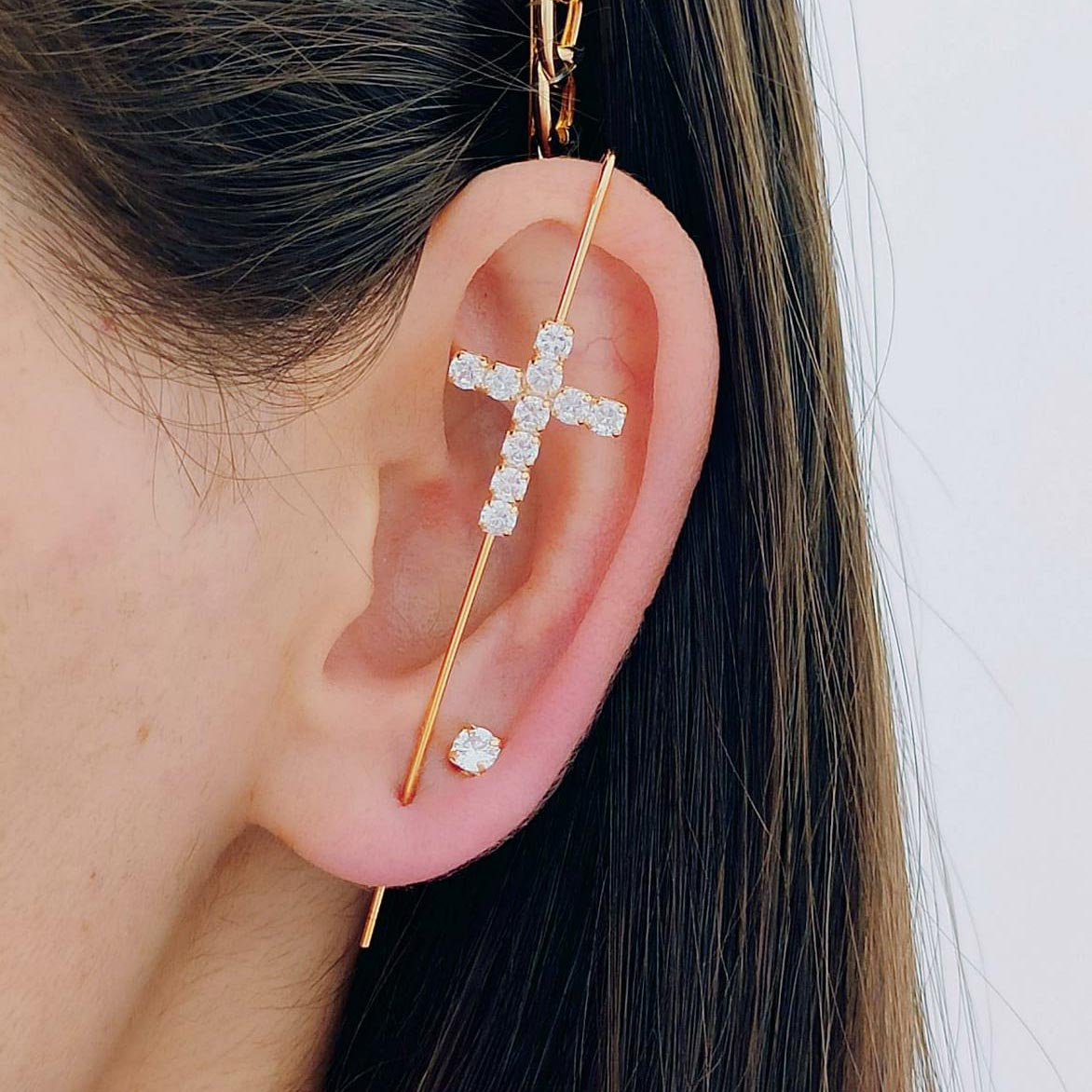Brinco Ear Cuff de Cruz