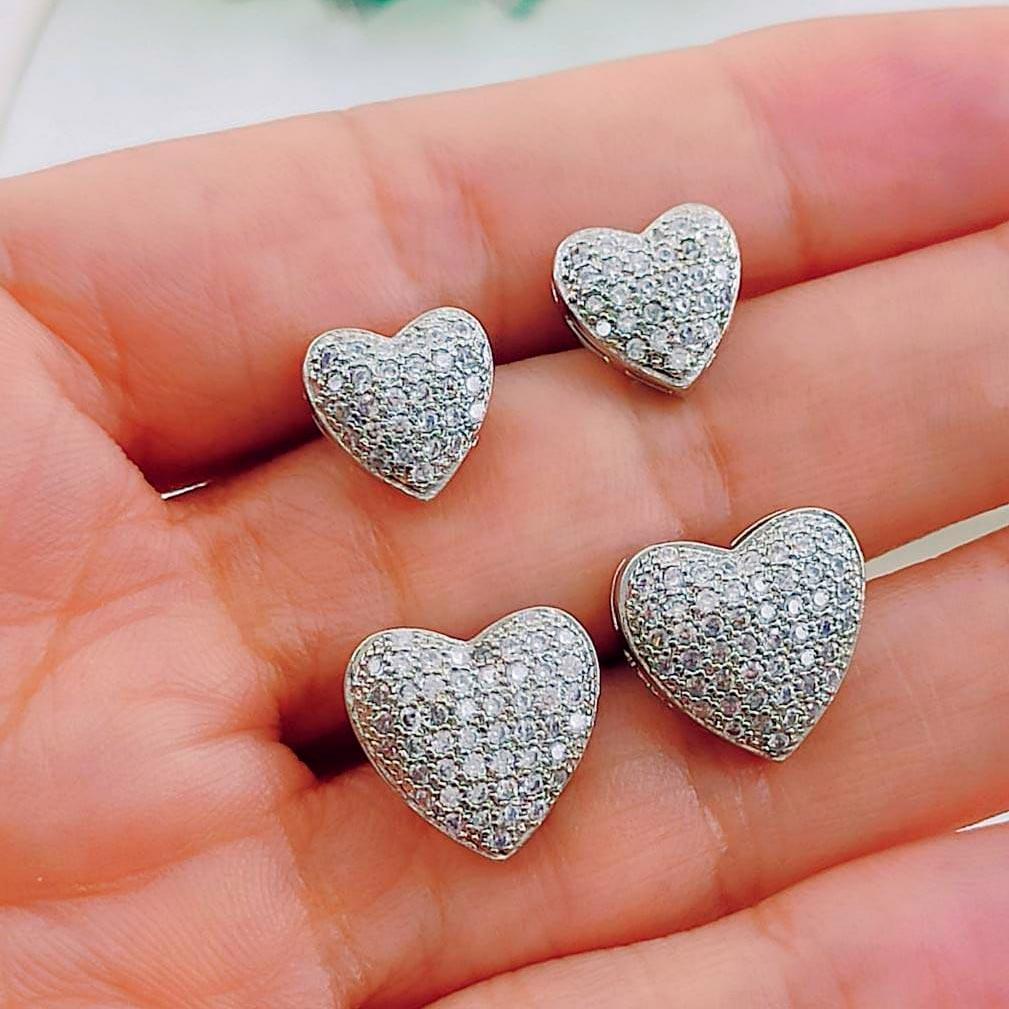 Brincos de Coração com Aplicação de Strass