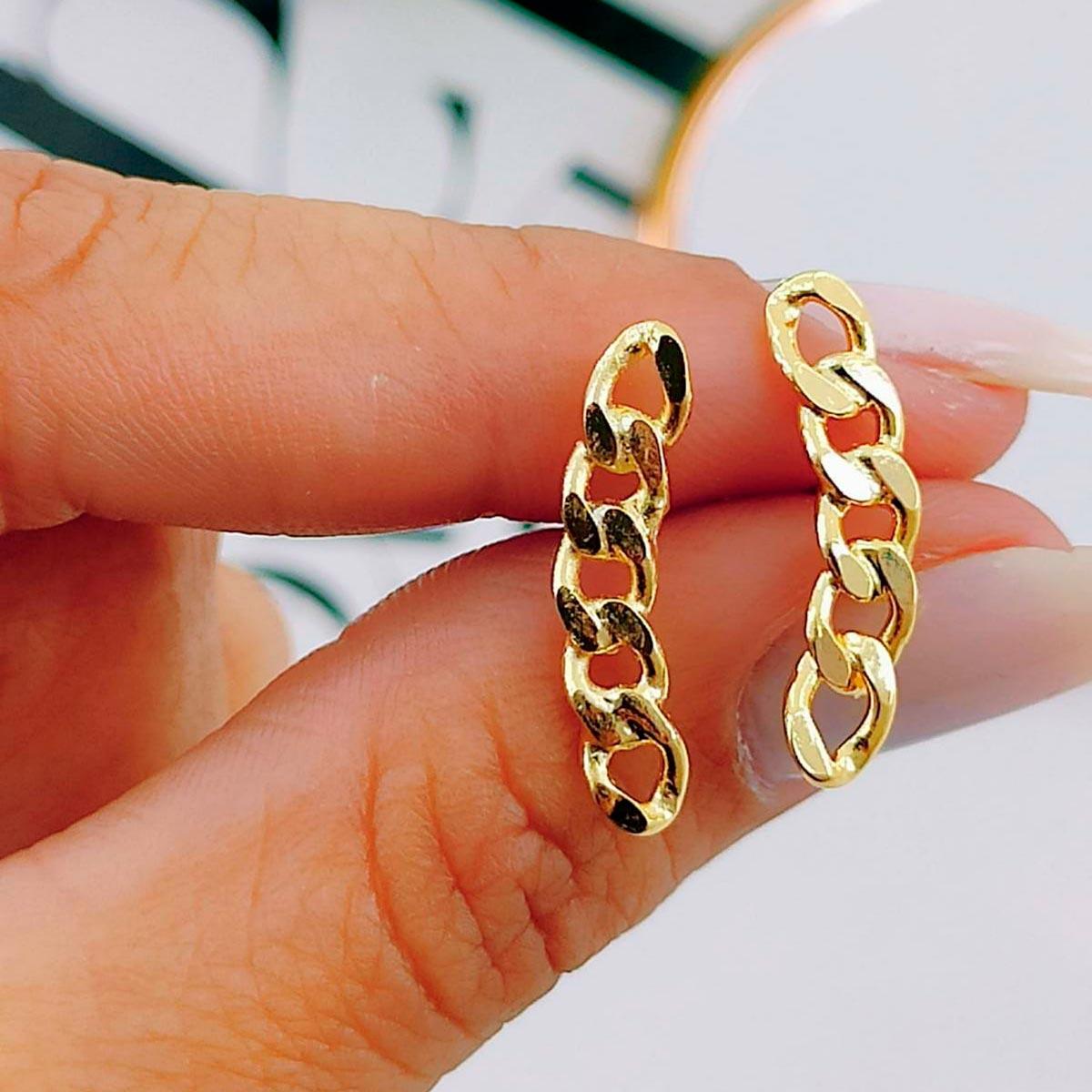 Brincos de Corrente Dourada