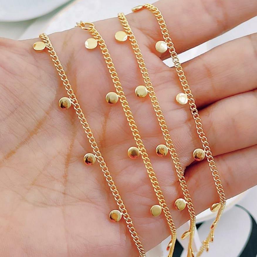 Choker de Correntinha com Círculos Dourados