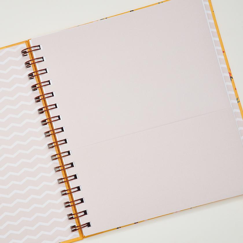 Caderno Médio Celina