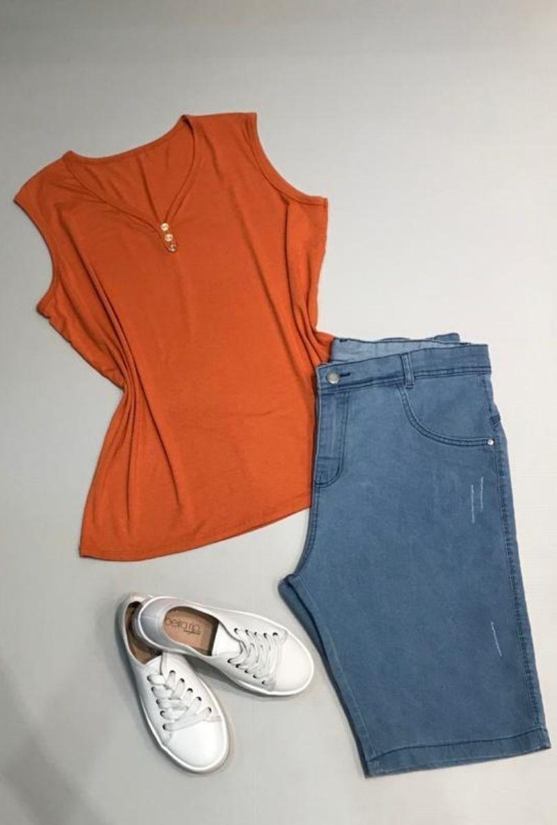 Bermuda Jeans Claro Plus Size Barra Simples  - ModaStore | Moda Feminina