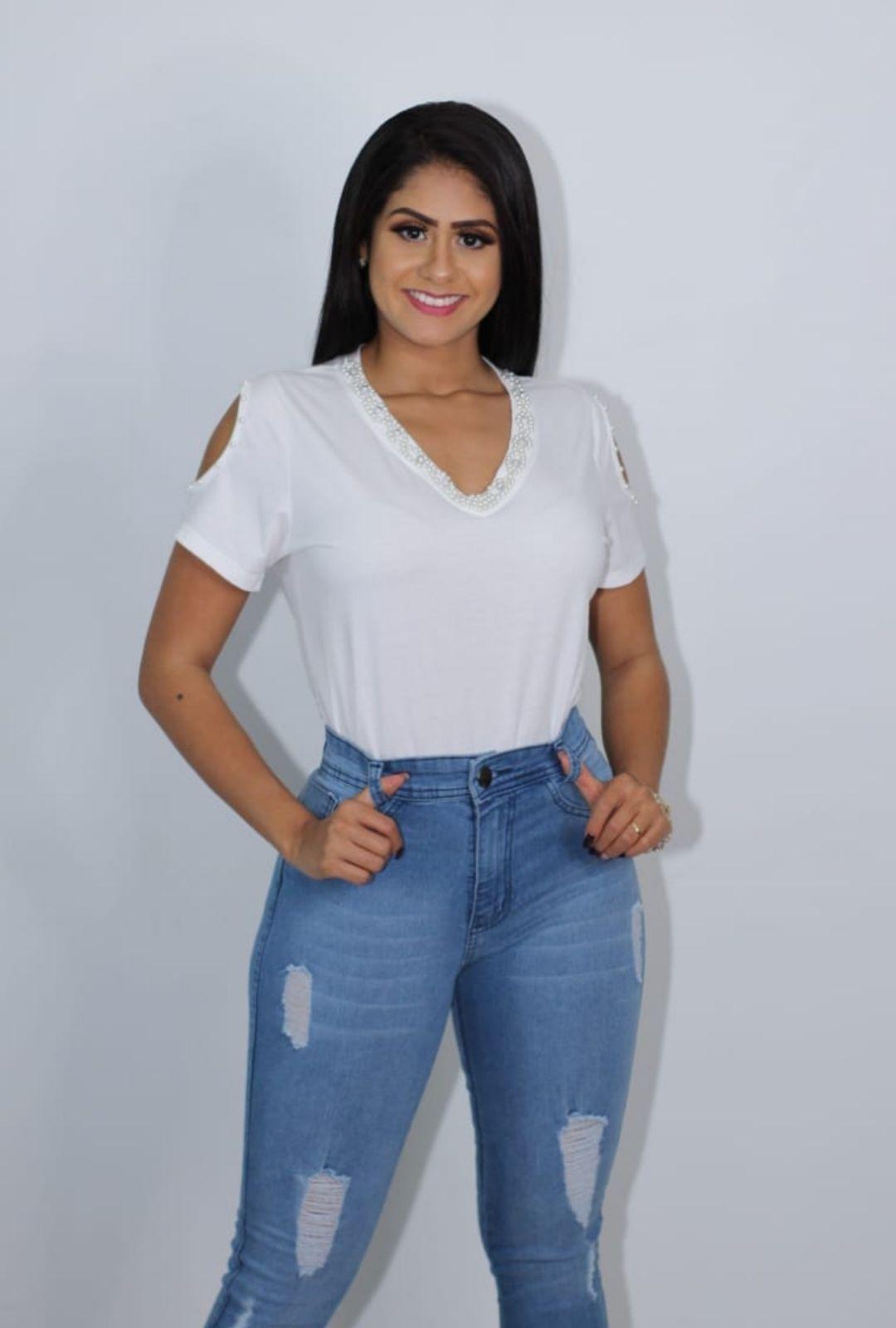 Blusa VickStar Lisa Decote Pérola e Manga Vazada  - ModaStore   Moda Feminina
