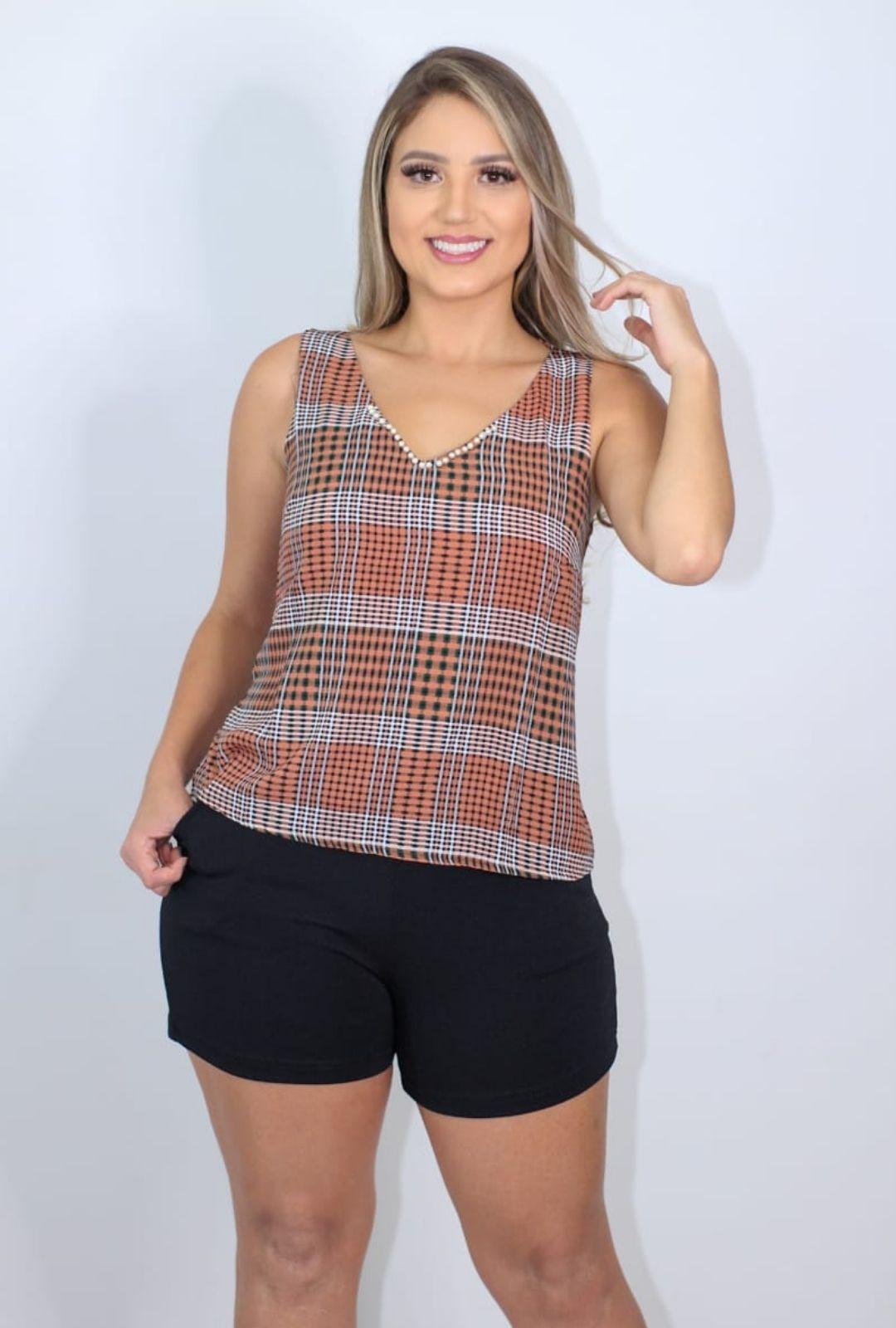 Blusa VickStar Xadrez com Detalhe Decote e Costas  - ModaStore