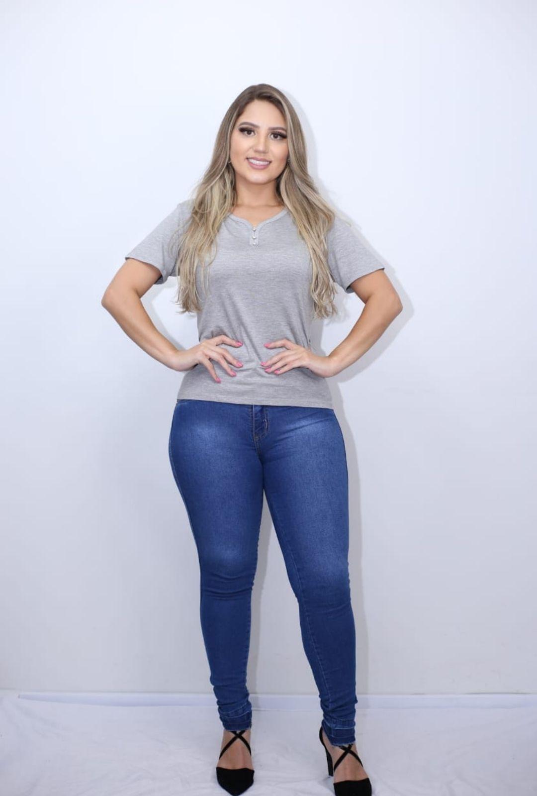 Calça Jeans Barra Destonada  - ModaStore