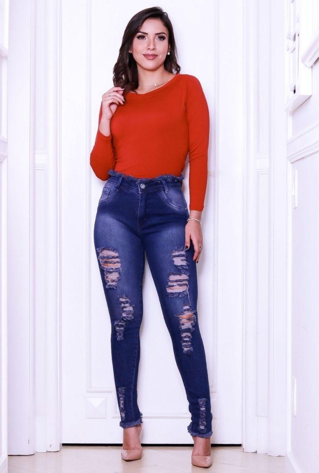 Calça Jeans Feminina Destroyed Blogueira Barra e Cós Desfiado  - ModaStore