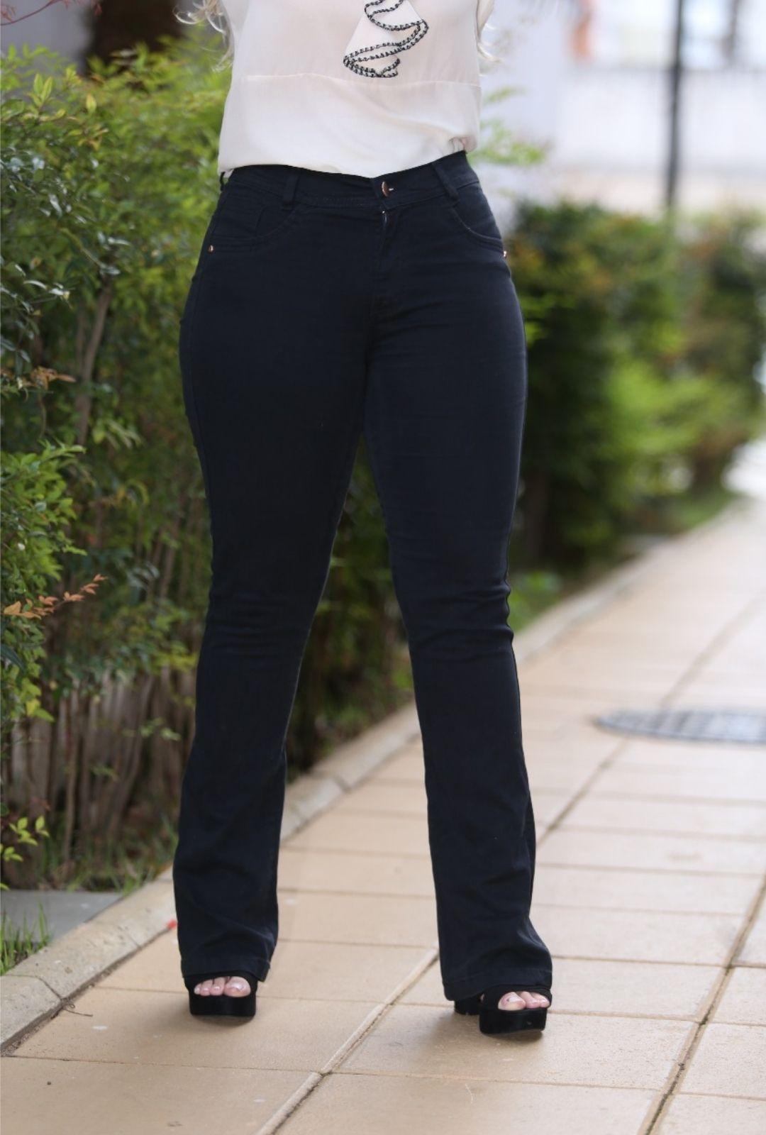 Calça Jeans Preta Flare  - ModaStore