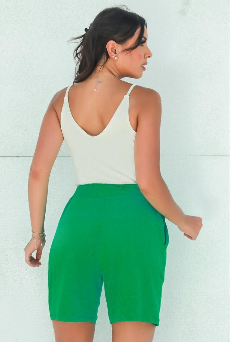 Shorts Básico Feminino Verde  - ModaStore