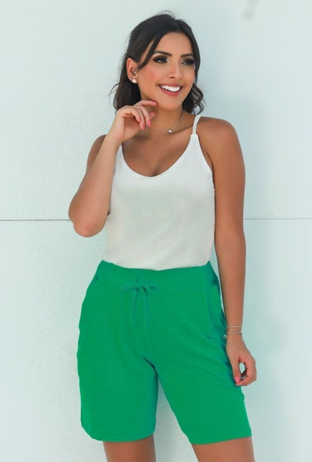 Shorts Básico Feminino Verde  - ModaStore | Moda Feminina