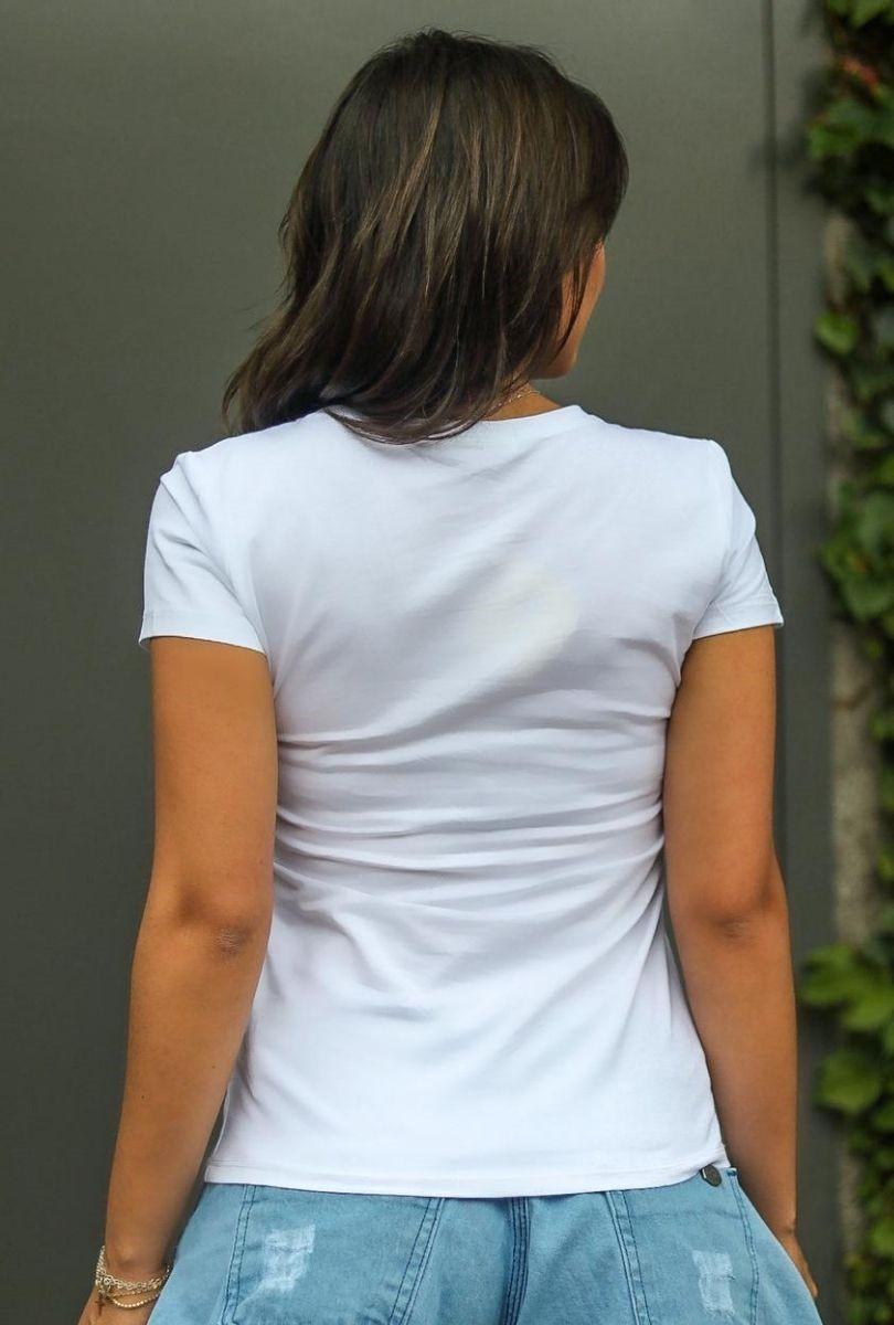 T-Shirt Floral Bela  - ModaStore   Moda Feminina