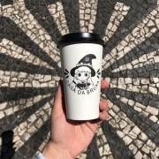 100 Copos Térmicos com tampa Descartáveis 480ml - Café da Bruxa