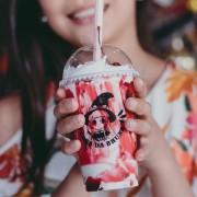 10 Copos Descartáveis 440ml - MilkShake com Tampa