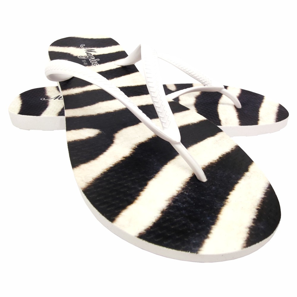 Kit Selva Feminino Zebra com Bolsa, Necessaire e Chinelo, Magicc