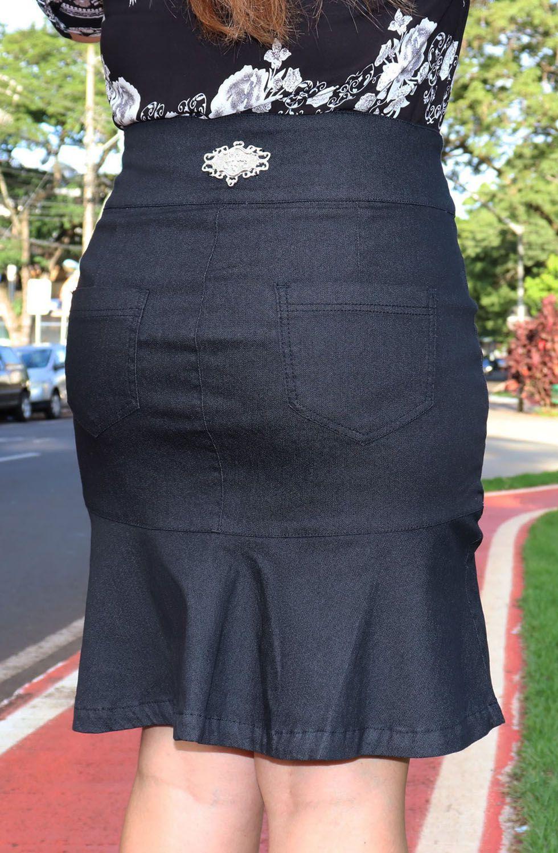 Saia Jeans Escura Secretária com BabadoDyork Jeans