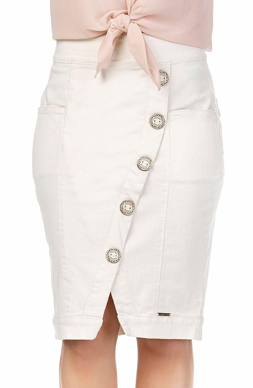 Saia Off Whitte com Botões Frontais e Barra Assimétrica Midi Dyork Jeans
