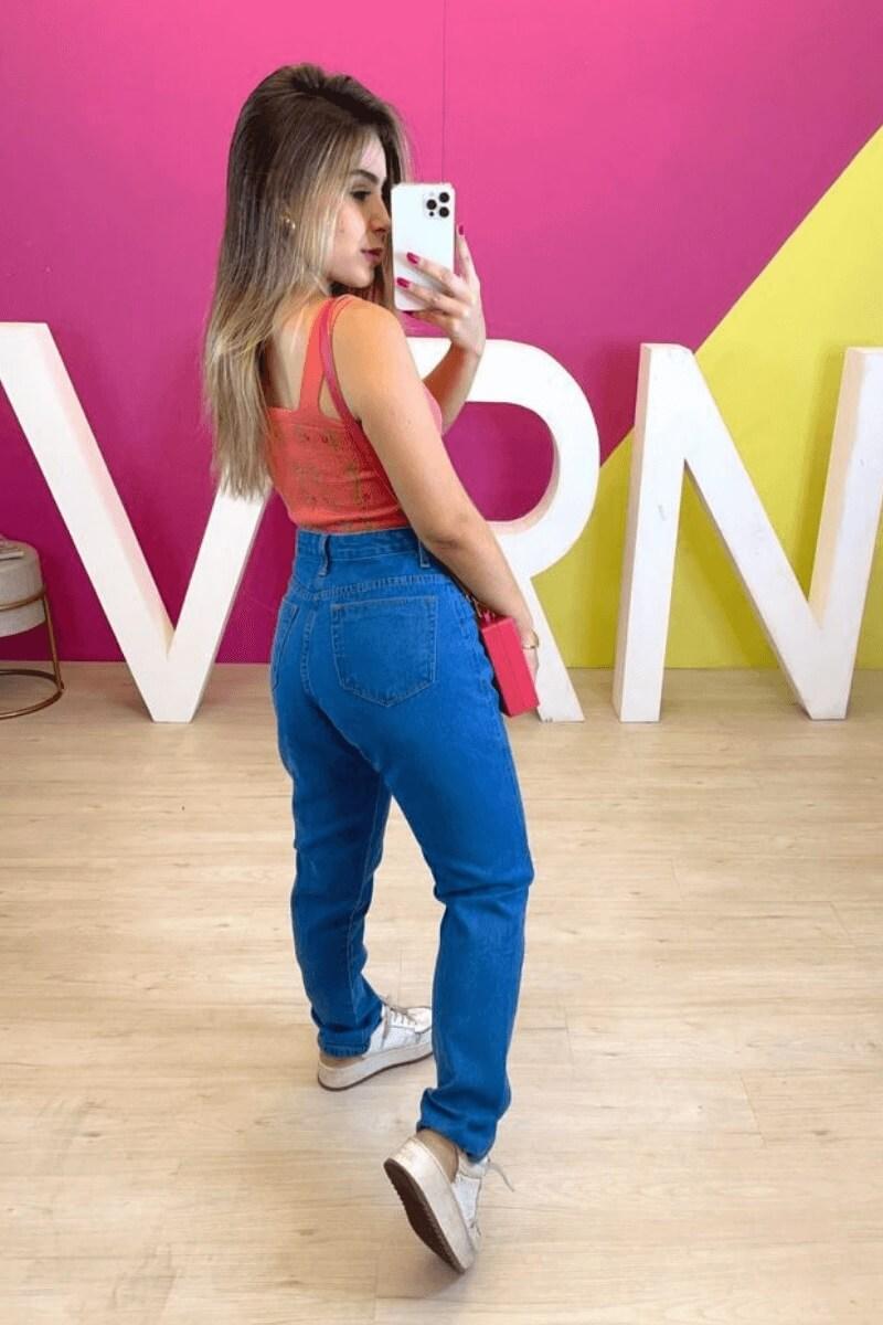 Calça Jeans Feminina Pantalona Bolso Vazado Clara