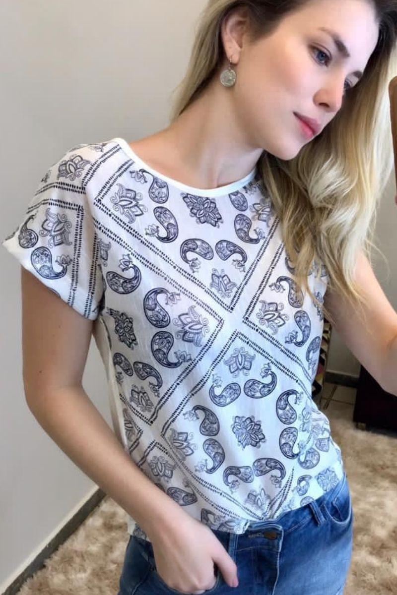 T-Shirt Feminina Contemporânea 4
