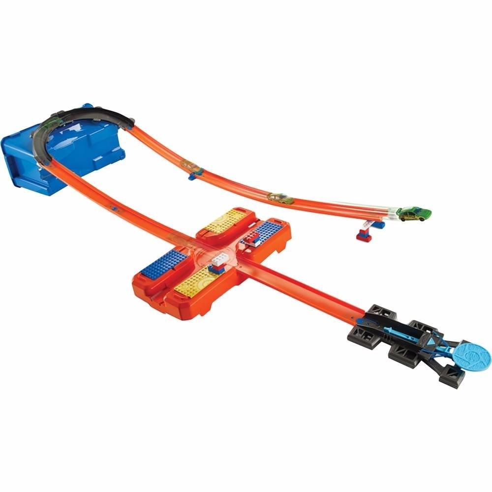 Caixa De Manobras Hot Wheels Com Carrinho Mattel Dww95