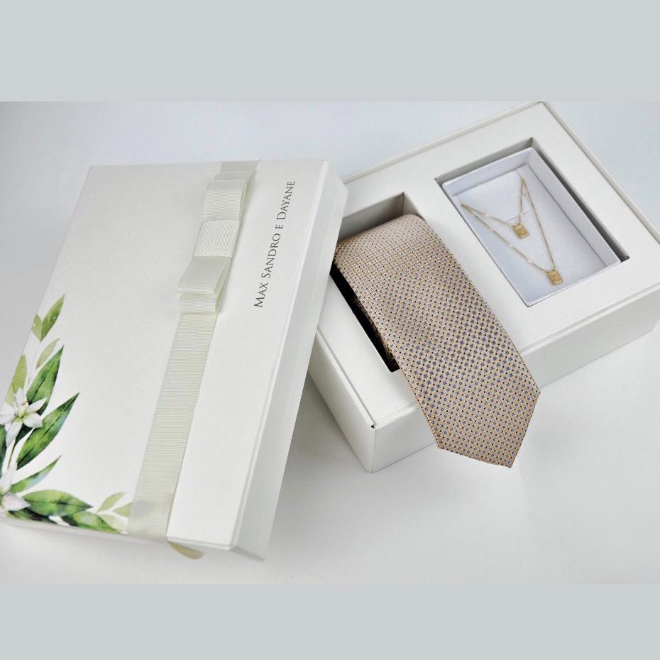 10 Kits Completos para Padrinhos, contendo, Box Personalizada, 1 Gravata Masculina e 1 Escapulário Feminino de Prata com Banho de Ouro
