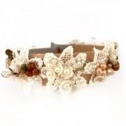 Tiara Artesanal para Noivas, de Tecido com Aplique em Renda e Pedras