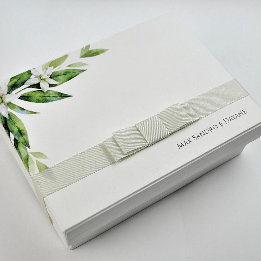 """Kit Completo para Padrinho, contendo, Box Personalizada, 1 Gravata Masculina e 1 Colar """"Amor e Fé"""""""