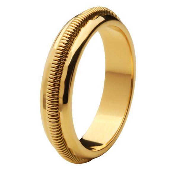 Aliança Bodas de Ouro, Ouro 18k / 750 - Abaulada, com trabalho espiral em alto relevo.