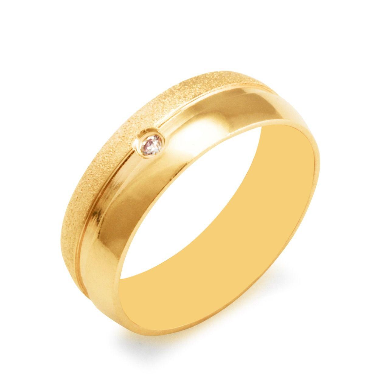 Aliança de Prata com banho de Ouro, Abaulada com Friso e Zircônia Central, 1 faixa Jateada- O PAR