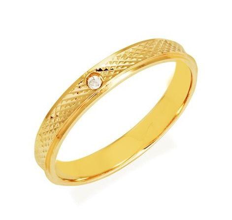 Aliança de Prata com banho de Ouro, Fina, Reta e Diamantada com Zircônia