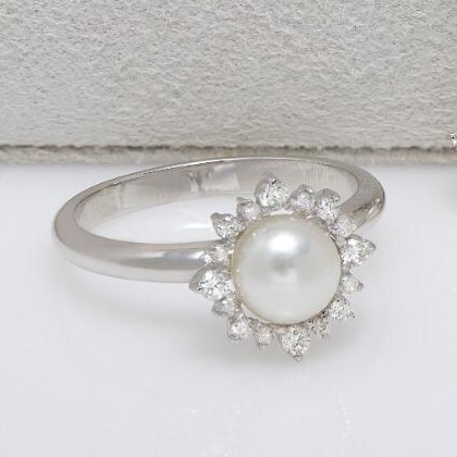 Anel de Ouro Branco, Pérola e Diamantes