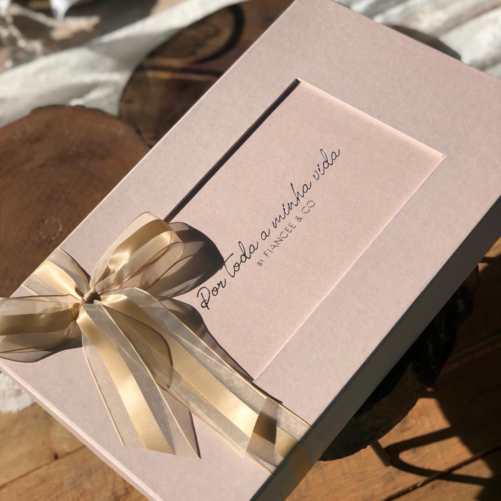 Colar de Ouro Branco 18k, com Esmeralda e Diamantes