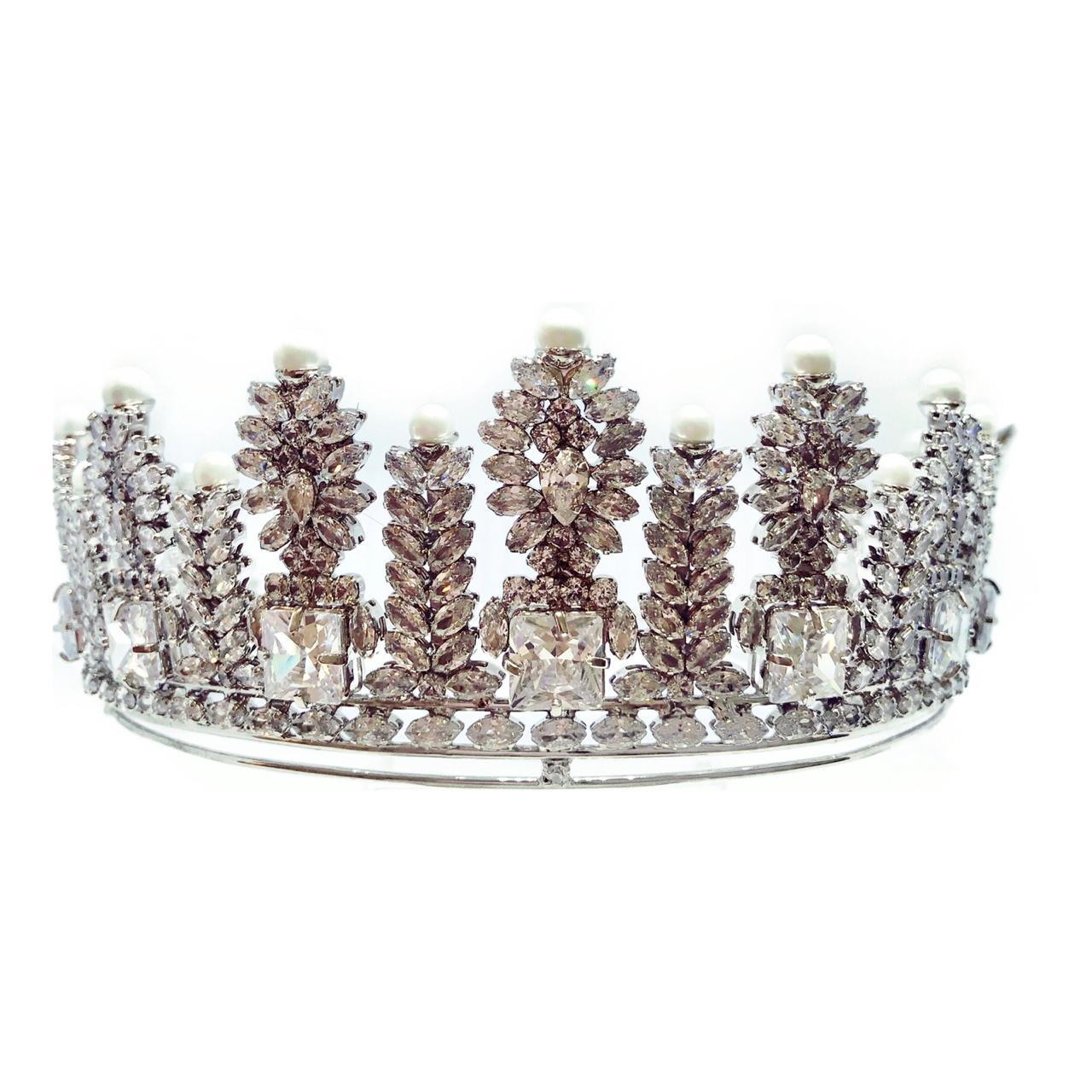 Coroa para Noivas, Alta, Imponente, toda cravejada de Zircônias de Múltiplas lapidações - Coroa Guilhermina