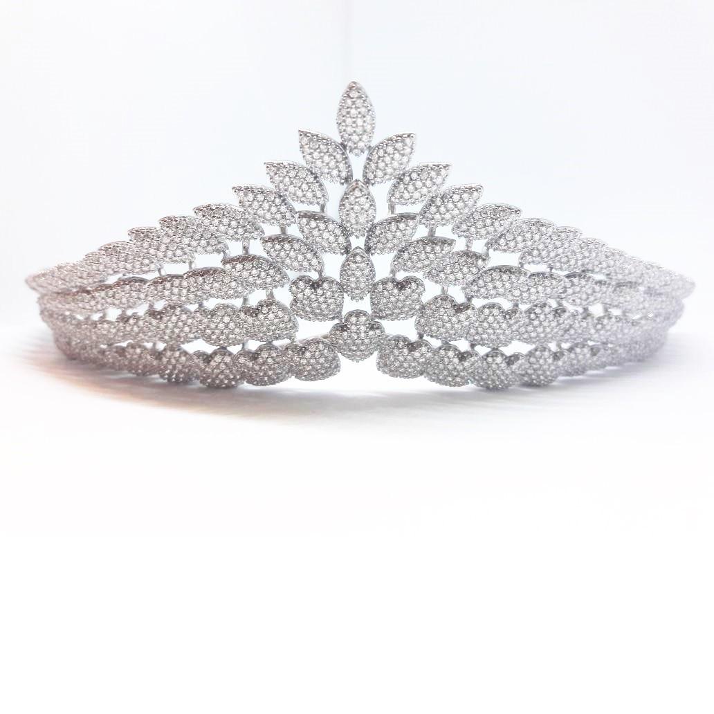 Coroa para Noivas, Banhada a Ródio (Ouro Branco), com Microcravações de Zircônias - Coroa Velik